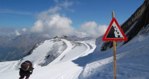 Skiing Holiday Tips and Ski Safety Advice